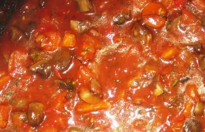 Грибы и томат
