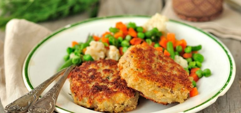 Рецепт диетических рыбных котлет в духовке